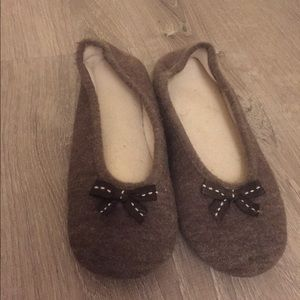 Shoes - Cute Little Brown Slippers